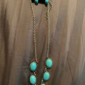 Jewelry - Necklace and airings